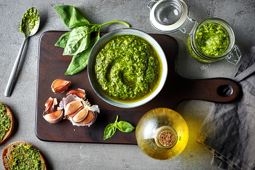 Basilikum Pesto mit Hanf