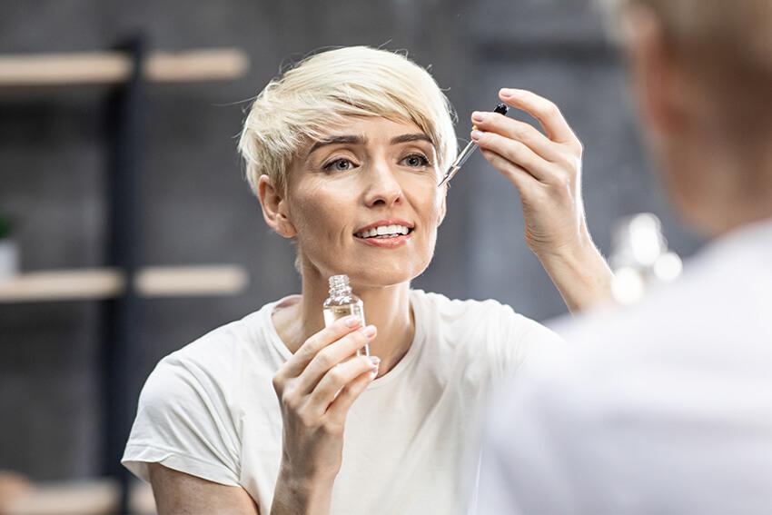 CBD Kosmetik als Anti Aging Mittel